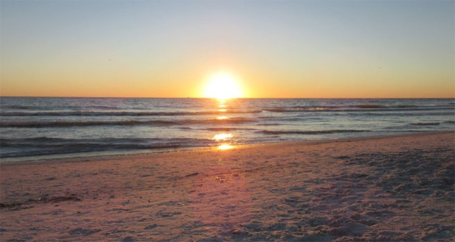 Zonsondergang strand van St Pete's Beach in Florida